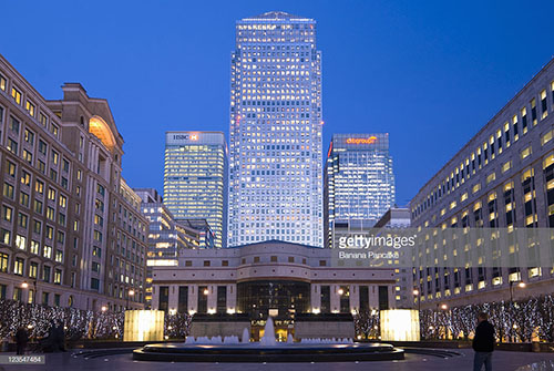 business-chauffeur-popular-place-canary-wharf