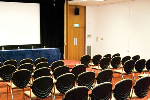 business-chauffeur-meeting-venue-canning-town