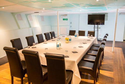 business-chauffeur-meeting-venue-charing-cross