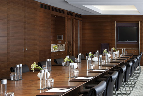 business-chauffeur-meeting-venue-fitzrovia
