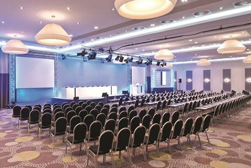 business-chauffeur-meeting-venue-holloway
