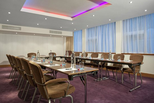 business-chauffeur-meeting-venue-shepherds-bush