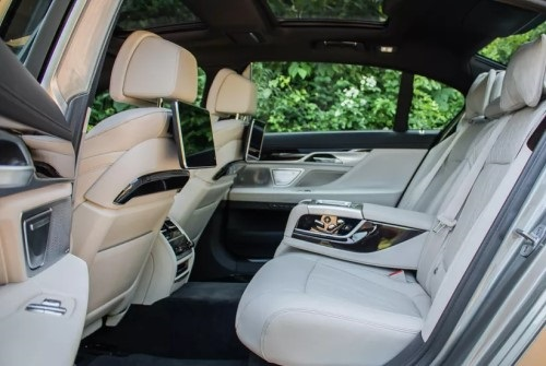 bmw-7-series-business-chauffeur