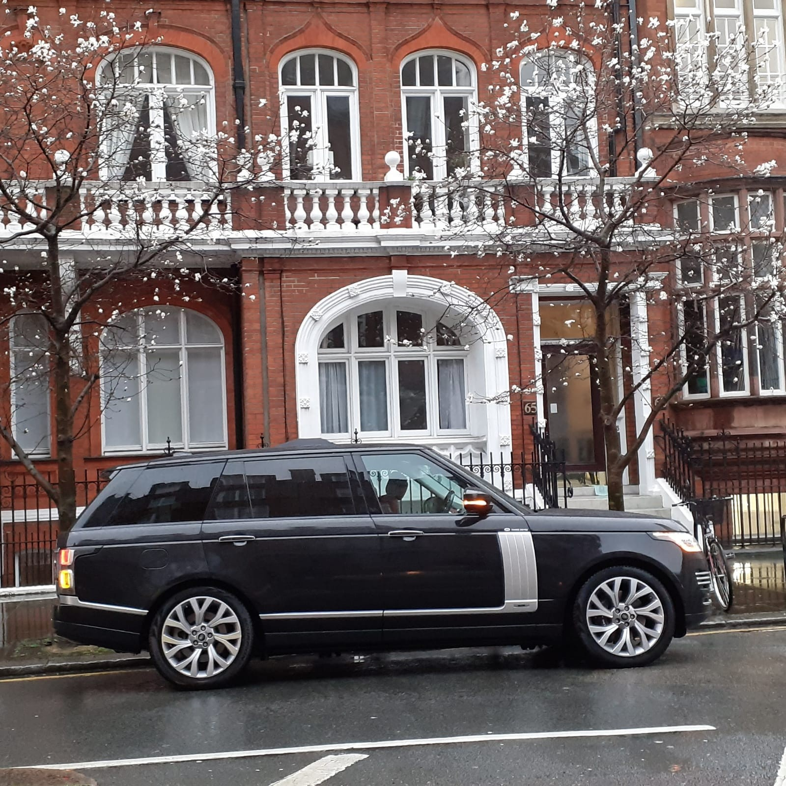 hire-best-range-rover-autobiography-for-events