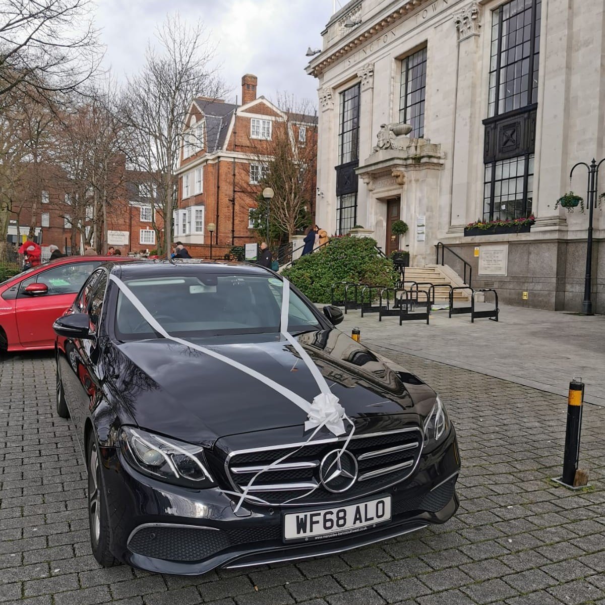 hire-mercedes-benz-e-class-for-weddings