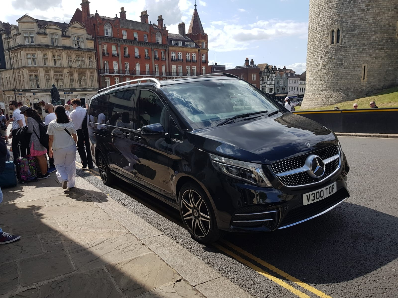 hire-mercedes-v-class-in-uk