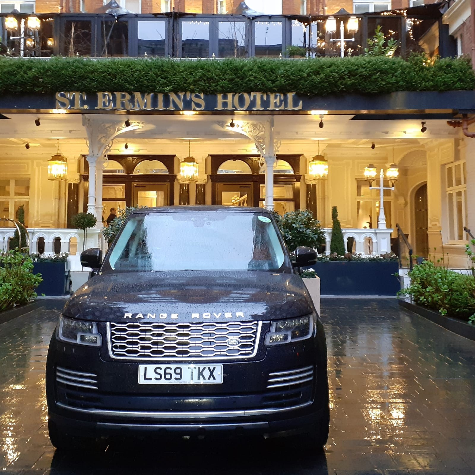 hire-range-rover-autobiography-for-wedding