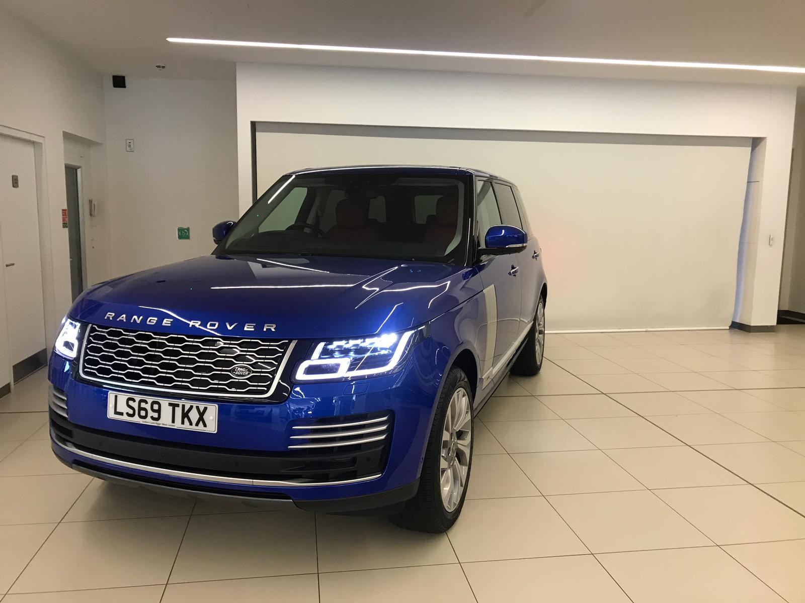 hire-range-rover-autobiography-in-london