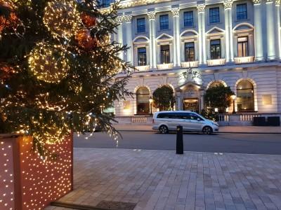 christmas-chauffeur-mercedes-v-class