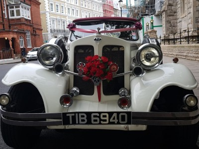 hire-bentley-chauffeur-for-your-wedding