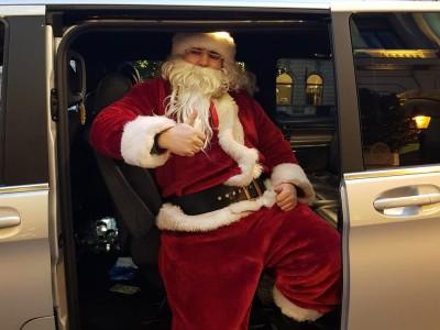 hire-christmas-chauffeur-mercedes-v-class